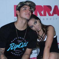 Anitta e Gabriel Medina são puro amor em camarim de show no Rio de Janeiro