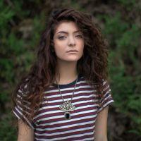 Lorde diz que está trabalhando no novo CD, mas não se importa com a data de entrega!