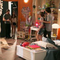 "Novela ""Malhação"": Pedro (Rafael Vitti) se empolga e quebra a cama de Karina (Isabella Santoni)!"