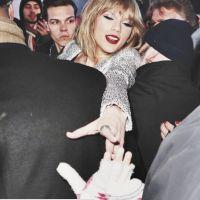 Taylor Swift segue fãs no Tumblr e meninas pagam promessa com ovo na cabeça!