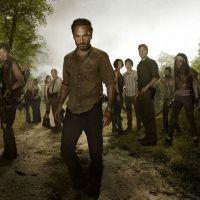 """Em """"The Walking Dead"""": na 5ª temporada, 10º episódio mostra Rick e cia fugindo de muitos zumbis!"""