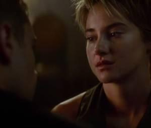 """Cena """"Insurgente"""", com Tris e Quatro"""