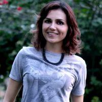 """Monica Iozzi, a Scarlett de """"Alto Astral"""", comemora personagem na novela das 19h da Globo"""