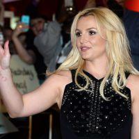 Britney Spears perde o cabelo durante show e leva fãs a loucura! OMG!