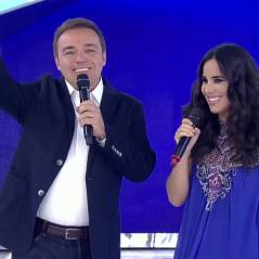 "Wanessa paga mico ao fazer playback no ""Programa do Gugu"", na Record!"