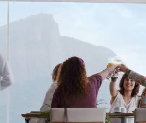 """Mari (Gianne Albertoni), Tita (Andreia Horta), Aninha (Fernanda Souza) e Estrella (Débora Lamm) retornam em""""Muita Calma Nessa Hora 2"""""""