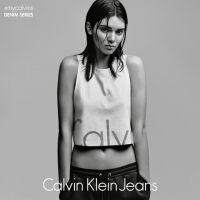 Kendall Jenner aparece sexy para a Calvin Klein, após sucesso da campanha de Justin Bieber