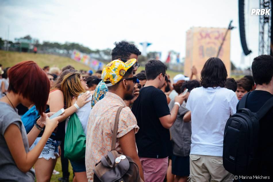 Bonés divertidos e camisas marcaram presença no visual da galera do Lollapalooza 2015