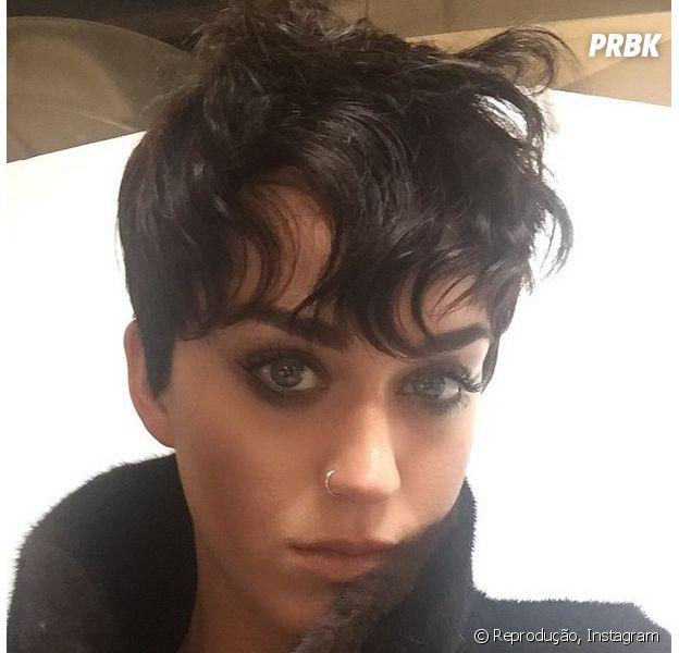 Katy Perry radicaliza e corta o cabelo!