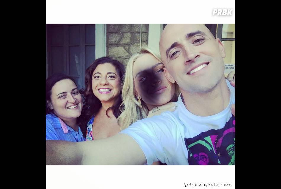 """Em sua conta no Instagram, Paulo Gustavo compartilha fotos de bastidores de """"Vai que Cola - O Filme"""""""