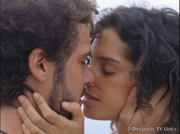 """Em """"Sete Vidas"""", Pedro (Jayme Matarazzo) e Taís (Maria Flor) vão se beijar"""