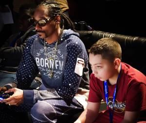 """Uma pessoa será sorteada para jogar """"FIFA 15"""" contra Snoop Dog em Los Angeles"""