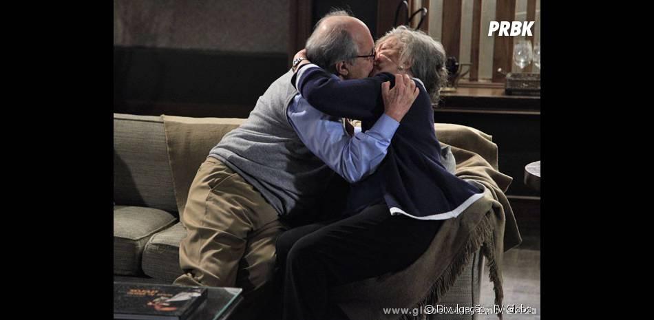 """Menção honrosa para Lutero (Ary Fontoura) e Bernarda (Nathalia Timberg), que se amam até bem velhinhos em """"Amor à Vida"""""""