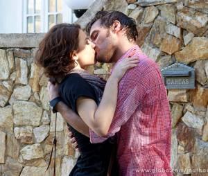 """Martin (Hugo Bonemer) e Micaela (Laís Pinho) entraram em guerra para logo depois se beijarem em """"Malhação""""!"""