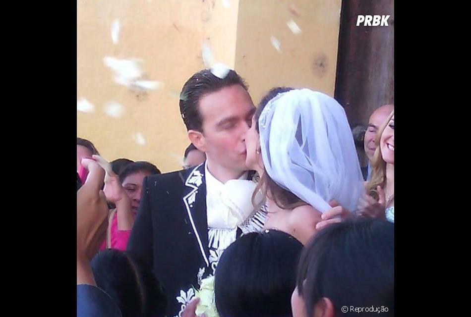 Anahi e Manuel Velasco se casaram na manhã deste sábado (25) na Catedral de San Cristóbal de Las Casas, no México