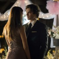 """Em """"The Vampire Diaries"""": na 6ª temporada, Elena (Nina Dobrev) e Damon se aproximam em casamento!"""