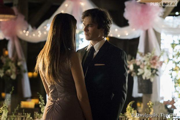 """Em """"The Vampire Diaries"""", Elena (Nina Dobrev) e Damon (Ian Somerhalder) estão mais apaixonados do que nunca"""