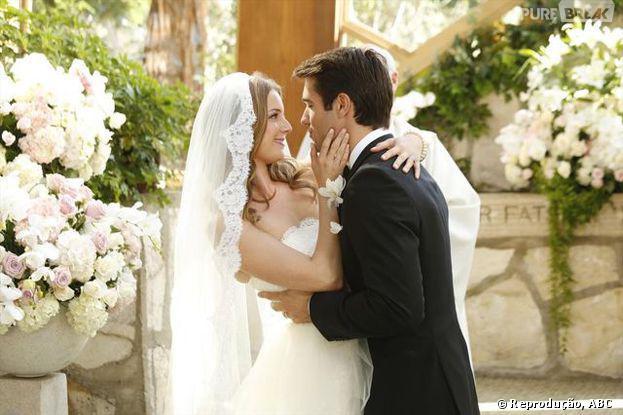 """Daniel (Joshua Bowman) e Emily (Emily VanCamp) se casarão em """"Revenge"""""""