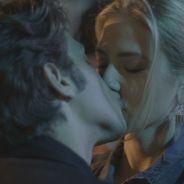"""Novela """"Babilônia"""": Rafael (Chay Suede) agarra e dá beijaço em Cecília!"""