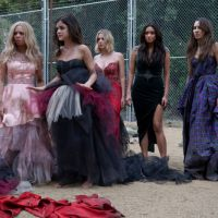 "Em ""Pretty Little Liars"": na 6ª temporada, Aria, Hanna, Spencer, Emily e Mona encurraladas!"