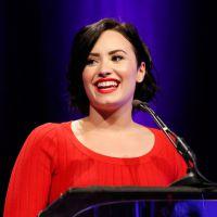 """Demi Lovato fala que ainda sofre com transtorno bipolar: """"estou vivendo bem com minha doença"""""""