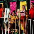 "Unique (Alex Newell), Artie (Kevin McHale), Kitty (Becca Tobin) e Blaine se apresentam em ""Glee"""
