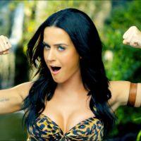 """Katy Perry se aproxima de emplacar mais um bilhão no Vevo com clipe do hit """"Roar"""". Poderosa!"""