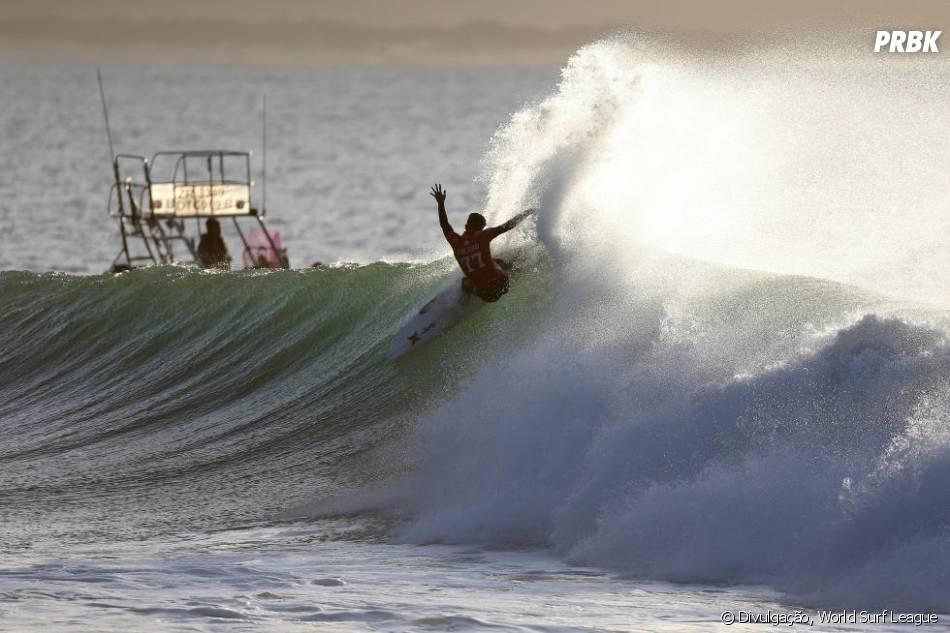 Circuito Mundial De Surf : Filipe toledo na etpa j bay circuito mundial de surf