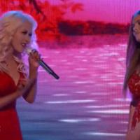 "Christina Aguilera canta ""We Remain"" com Jacquie Lee no ""The Voice USA"""