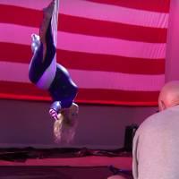 """De """"A Escolha Perfeita 2"""": Universal divulga vídeo com Rebel Wilson em treino circense"""