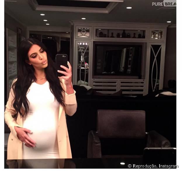 Kim Kardashian publica foto polêmica para provar que realmente está grávida