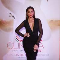 Bruna Marquezine aparece sexy e com decote muito provocante em mega festa da Coca-Cola!
