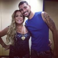 """Cauã Reymond comenta comparações entre """"A Regra do Jogo"""" e """"Avenida Brasil"""": """"Muito cruel"""""""