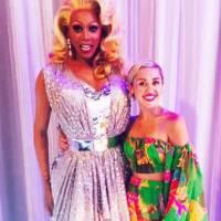 """No VMA 2015, Miley Cyrus deve contar com participantes de """"RuPaul's Drag Race"""" em apresentação épica"""