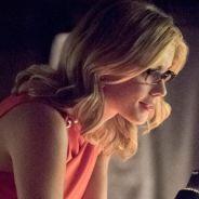 """Em """"Arrow"""": na 4ª temporada, Oliver (Stephen Amell) e Felicity se destacam em foto promocional"""
