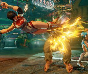 """Quando Mika passa aperto em """"Street Fighter V"""",Nadeshiko vai correndo para ajudar a loira"""