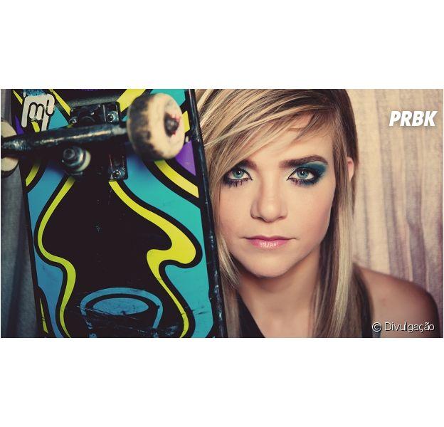Karen Jonz é fera no skate e faz sucesso no Youtube com o canal Garagem de Unicórnio