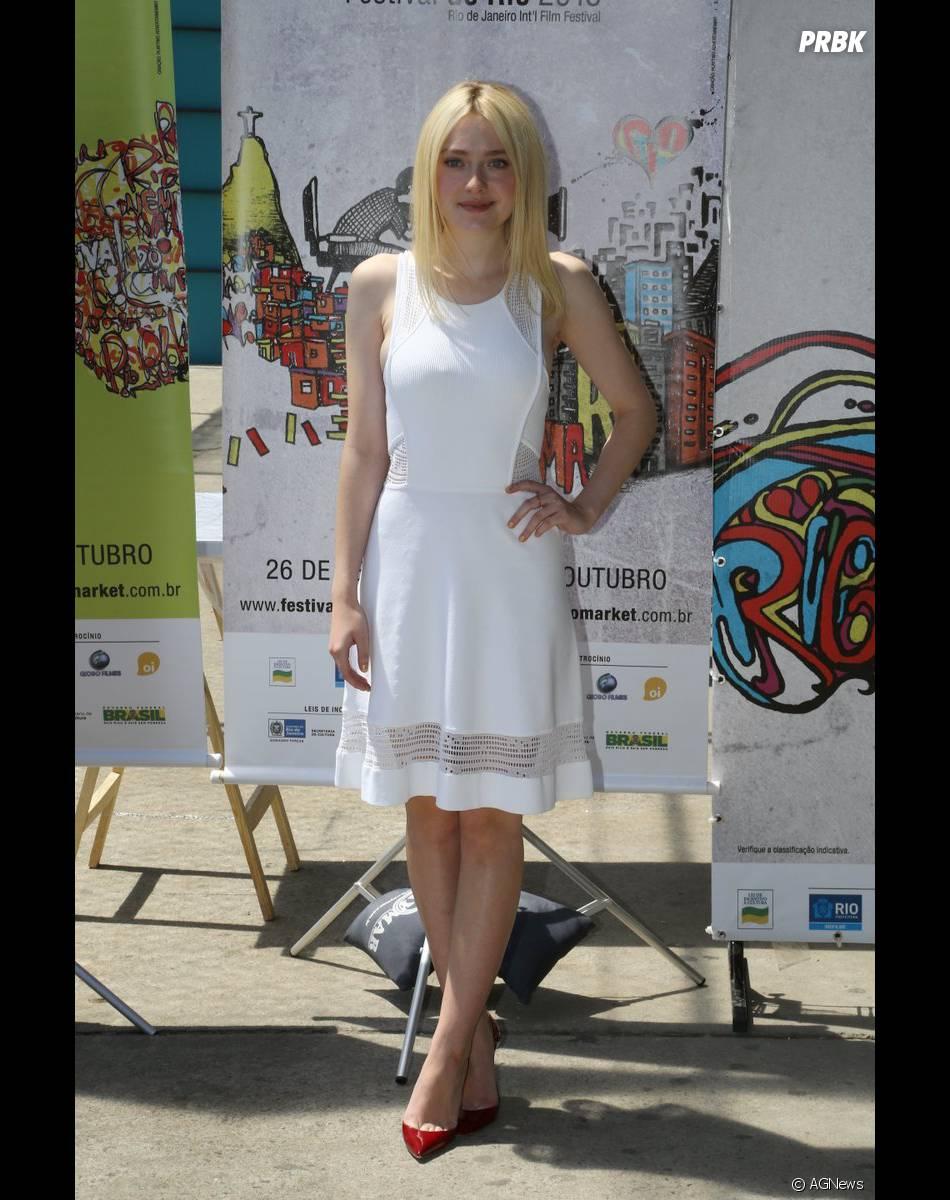 Dakota Fanning participa de coletiva de imprensa durante oFestival do Rio 2013