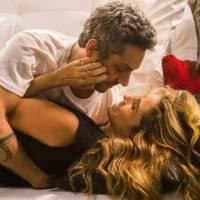 "Novela ""A Regra do Jogo"": Atena (Giovanna Antonelli) dá golpe e rouba Romero (Alexandre Nero)!"