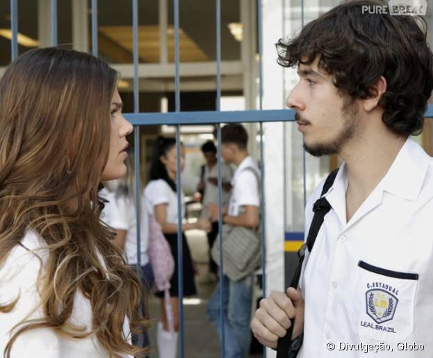 """Em """"Malhação"""": Alina (Pâmela Tomé) proíbe Luan (Vitor Novello) de contar a verdade sobre o acidente de Ciça (Julia Konrad)!"""