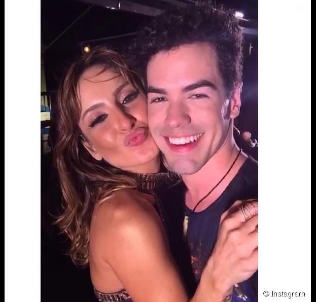 """Claudia Leitte, do """"The Voice Brasil"""", sempre posta fotos nas redes sociais ao lado de Sam Alves"""