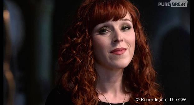 """Na 11ª temporada de""""Supernatural"""", Rowena(Ruth Connell) vai ser uma pedra no sapato dos protagonistas"""