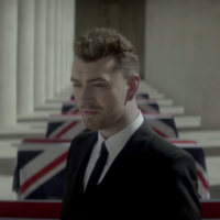 """Sam Smith lança teaser do clipe de """"Writing's On The Wall"""", música-tema de """"007 Contra Spectre"""""""
