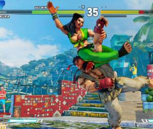 """Um dos golpes de Laura em """"Street Fighter V"""" com estrangulamento de perna"""