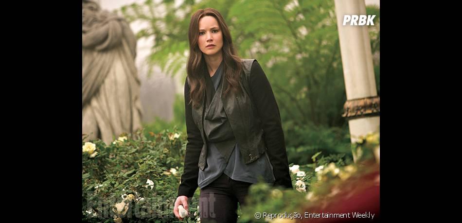 """Enquanto Jennifer Lawrence, por sua vez, encarna a heroína Katniss, em """"Jogos Vorazes: A Esperança - O Final"""""""