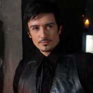 """Em """"Once Upon a Time"""": na 5ª temporada, Hook (Colin O'Donoghue) recebe seu pai na série!"""