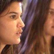 """Novela """"Malhação"""": Lívia (Giulia Costa) flagra Roger com Nanda e arma barraco!"""