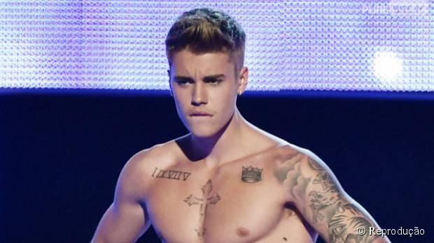 Fotos de Justin Bieber pelado em Bora Bora invadem a internet