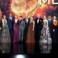 """De """"Jogos Vorazes: A Esperança - O Final"""": elenco brilha em première mundial do filme em Berlin!"""