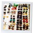 Uma coleção de óculos foi selecionado especialmente para Rihanna